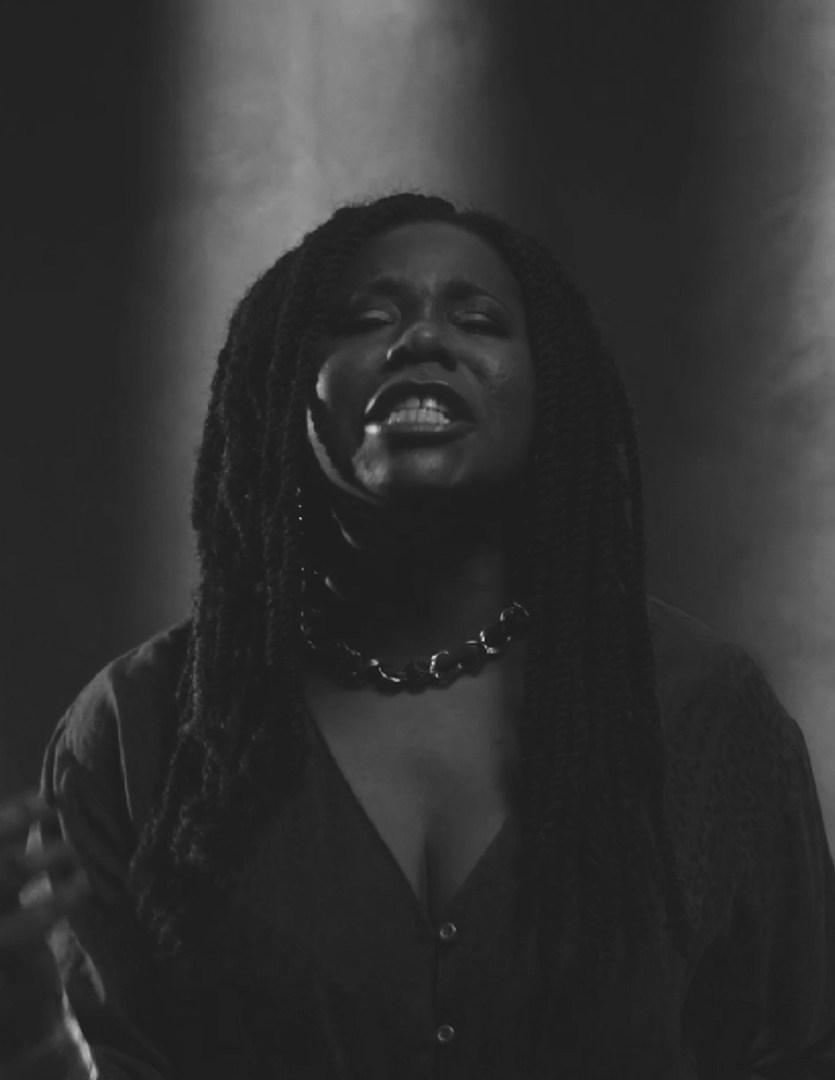 Sofía Carrillo interpreta Me gritaron Negra