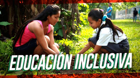 Los profesores que preservan la herencia cultural en la Amazonía peruana
