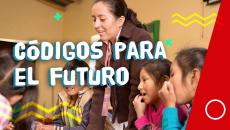 Ella le enseña a niños y niñas de Ayacucho a programar sin usar una computadora