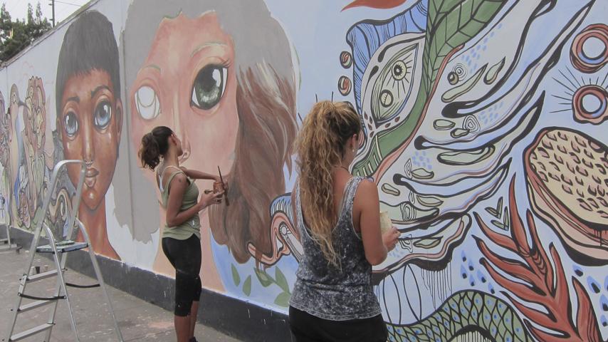 Galer a estos murales le dan aire a las calles de lima for El mural pelicula online